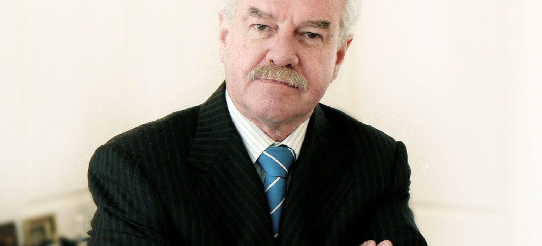 Rubén Covarrubias, Rector de la Universidad mayor «Una mirada profunda»