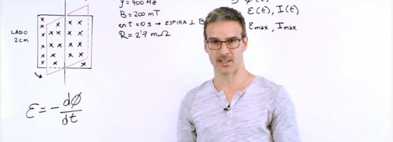 """Profesor que hace clases por YouTube es nominado al """"Nobel de la enseñanza"""""""