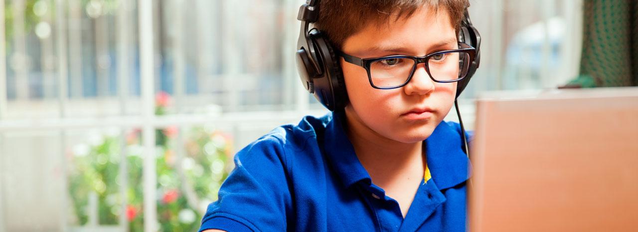 Bullying virtual: Más de un tercio de los menores chilenos ha tenido una experiencia negativa en internet