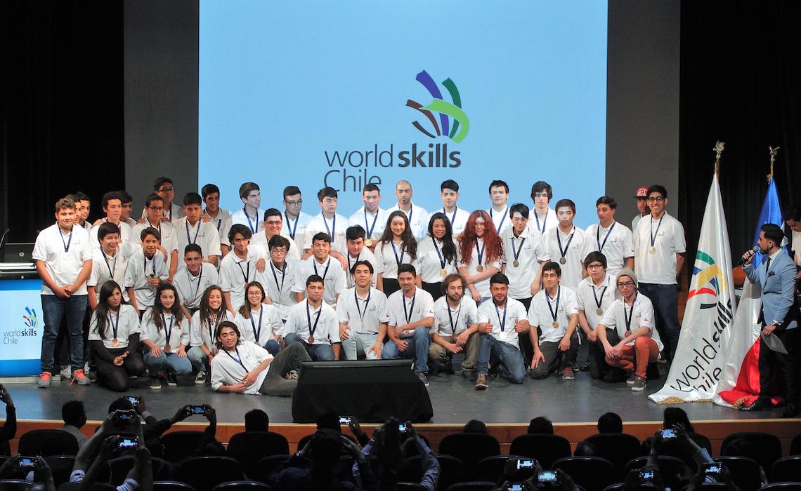 En impecable ceremonia de clausura Woldskills premió a los mejores técnicos del país