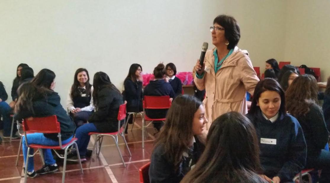 Grupo Educar capacita a estudiantes en formación del carácter y autocuidado