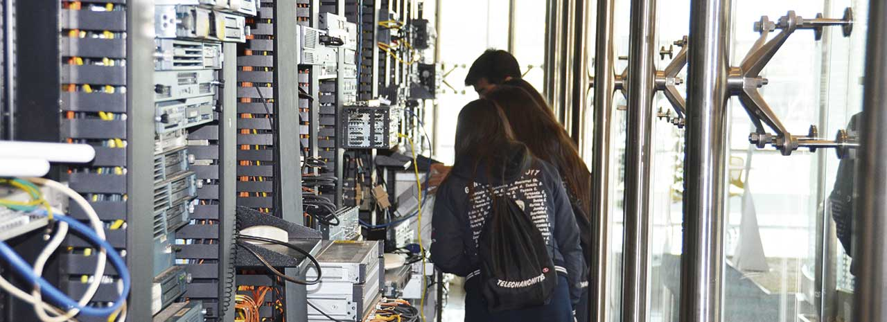 Colegio Técnico Las Nieves en Puente Alto: Haciendo historia en computación y tecnología