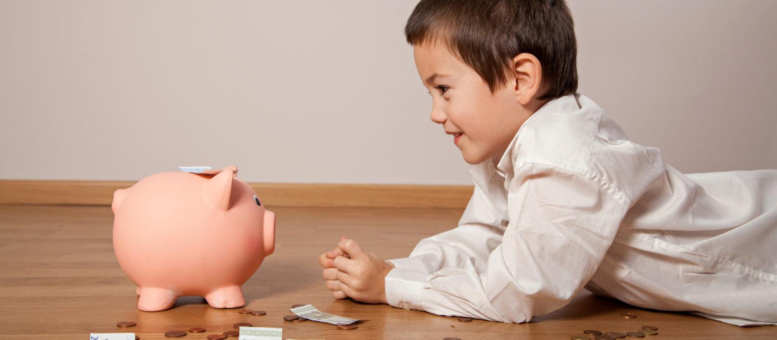 Niños de pre-básica aprenden los principios de la educación financiera