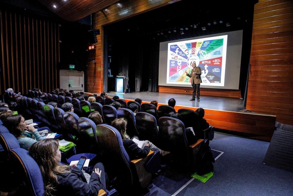 «El Colegio que viene» ya está en Chile