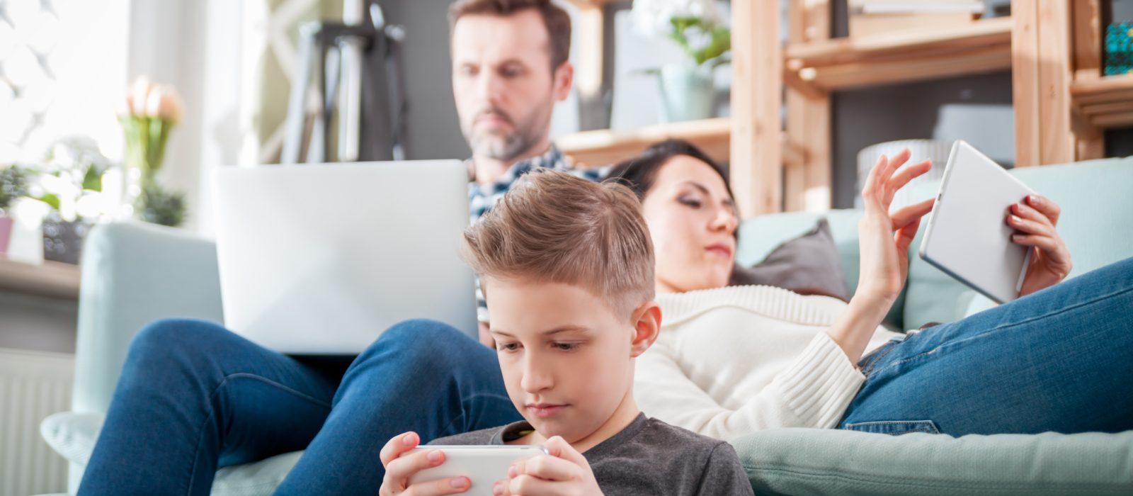 """Tecnología,  ¿La """"no sustancia"""" que genera adicción en niños y adolescentes?"""