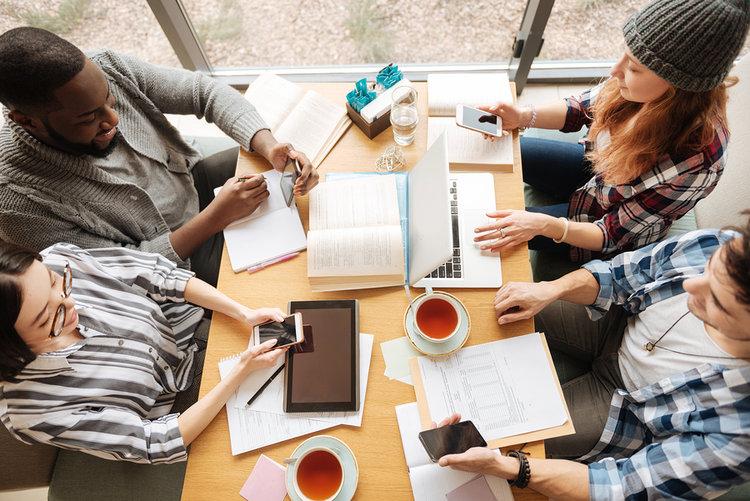 Generación Z no se siente preparada para el mundo laboral, según encuesta