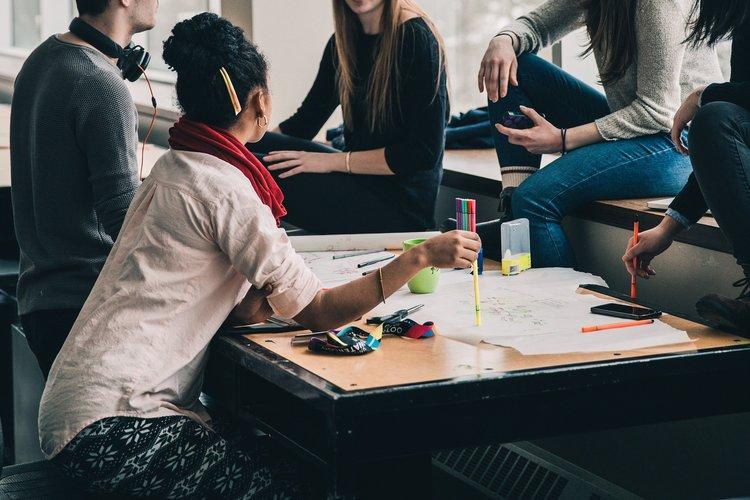Cuando el alumno asume el rol de profesor: Una experiencia de clase invertida