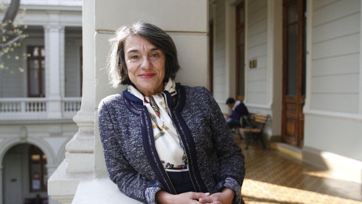 """Sol Serrano, historiadora: """"Admiro muy profundamente a los profesores, debiera ser la profesión mejor remunerada, especialmente la pública"""""""