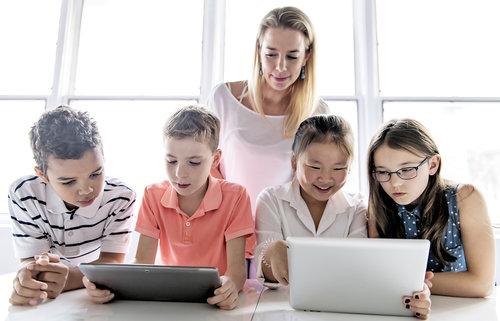 ¿Qué pueden hacer los maestros para combatir las noticias falsas?