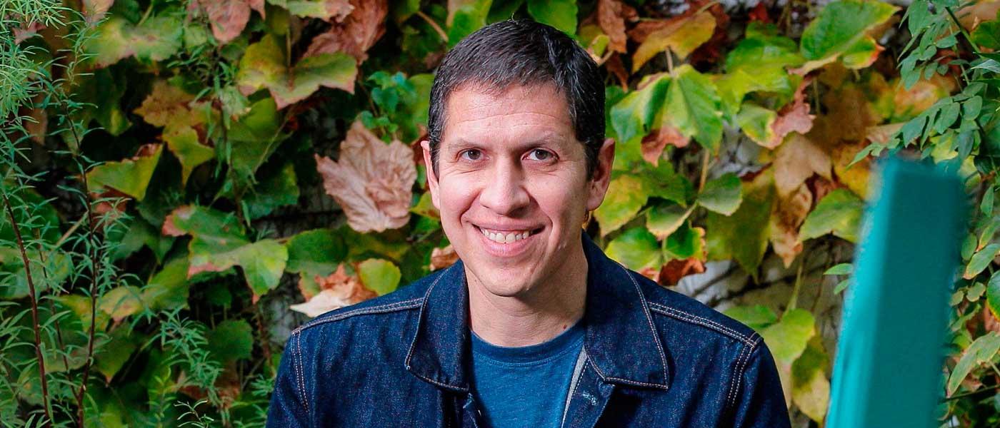 """Mauricio Paredes: """"Escribir es la mejor manera de ordenar los pensamientos"""""""