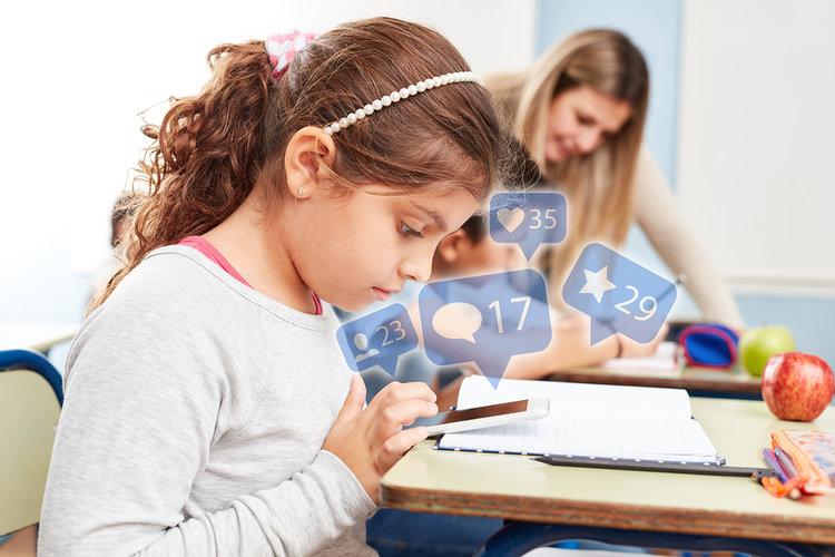 La adicción a los celulares preocupa a estudiantes y docentes