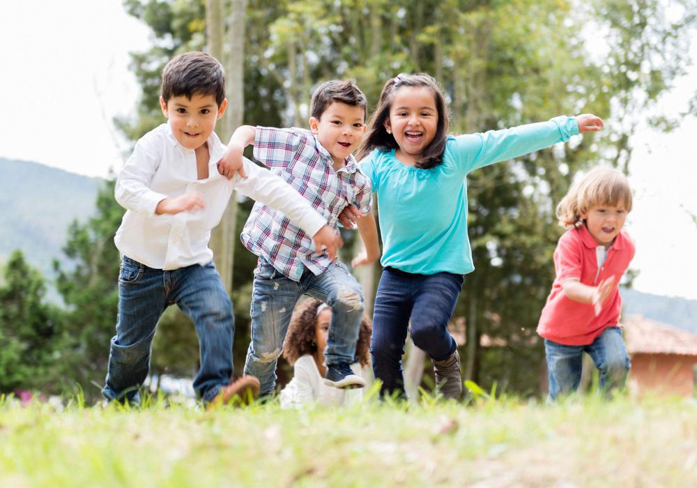 La OMS aconseja que los niños vuelvan a jugar de verdad