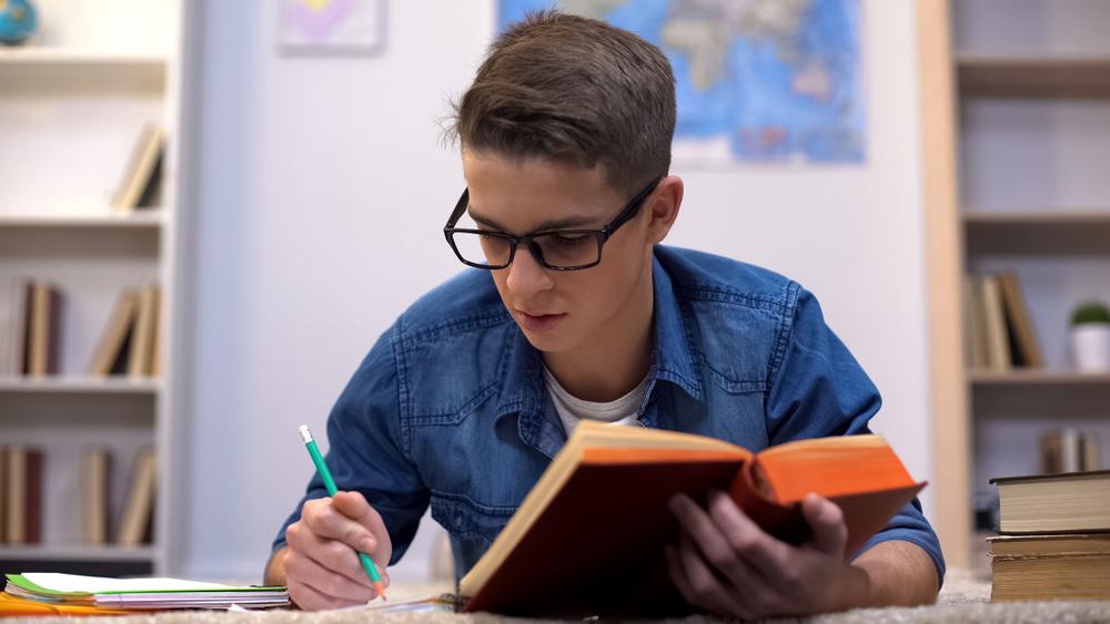 ¿Por qué es crucial saber cómo detectar debilidad visual en los estudiantes?