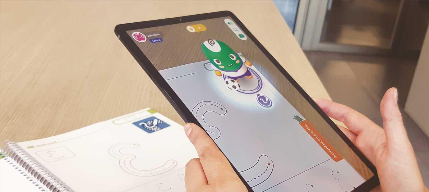 Caligrafix lanza los primeros cuadernos interactivos de Chile