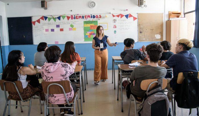 Invitación a profesores a postular a programa Enseña Chile