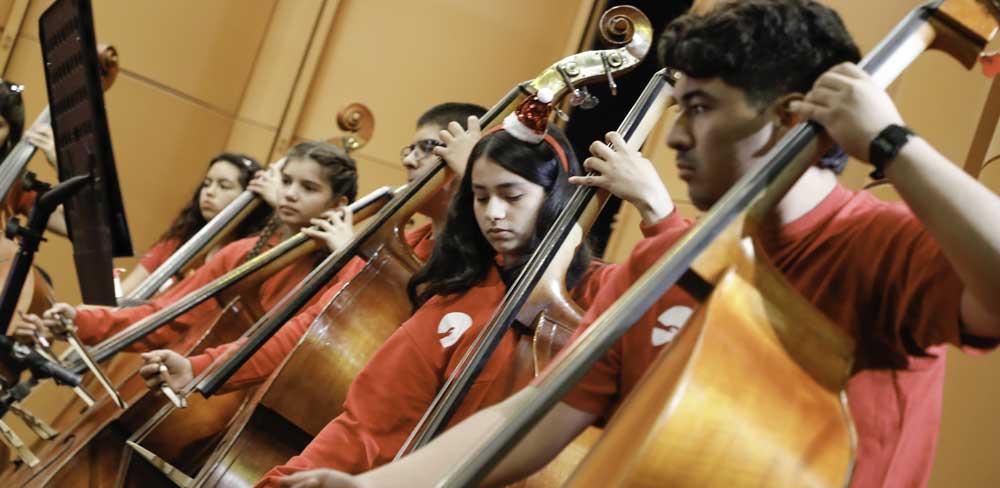 El pertenecer  a una orquesta es un factor protector